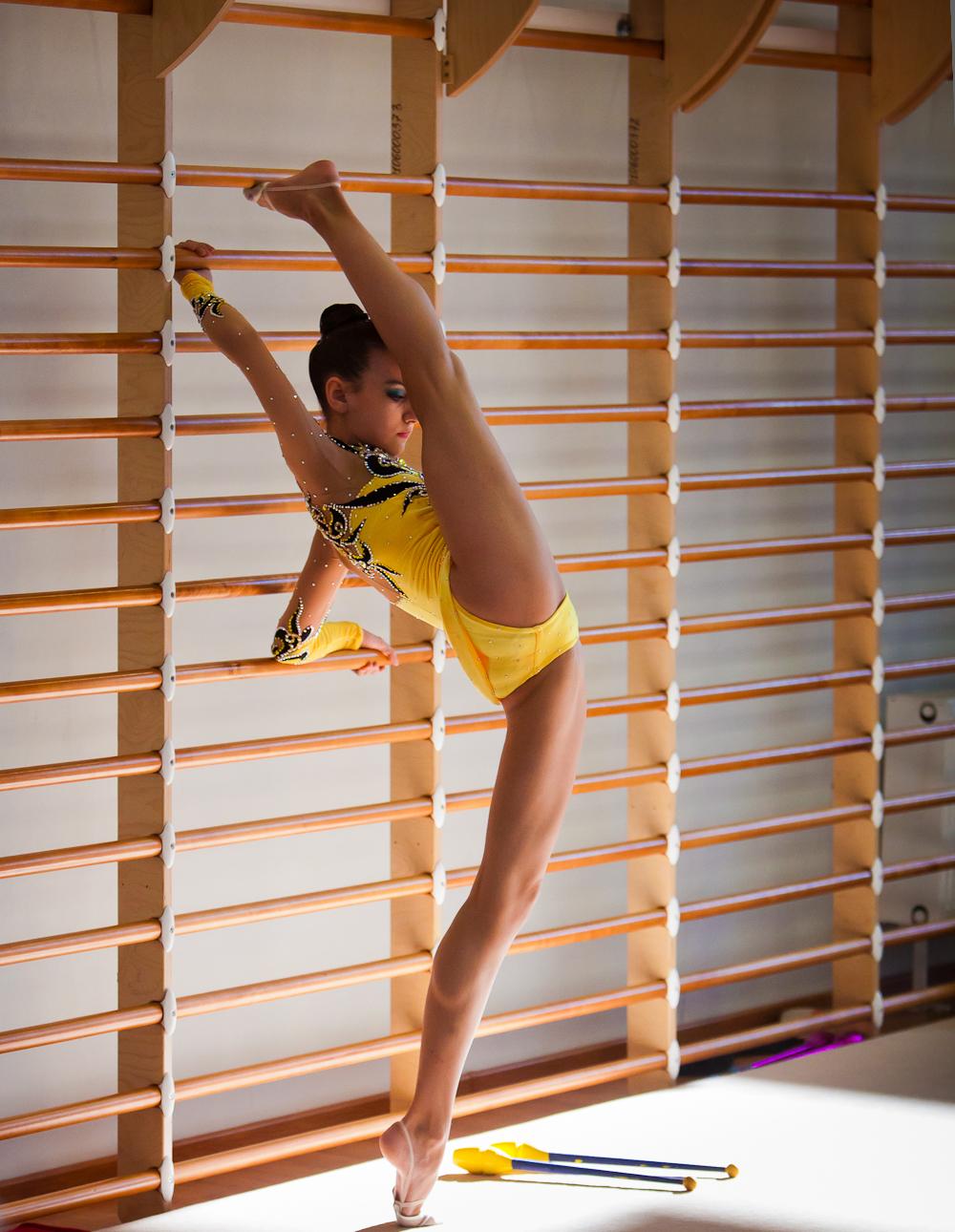 Старые гимнастки голые фото39